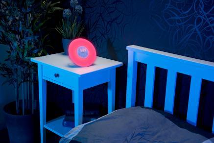 auvisio wake up radio wecker mit sonnenaufgangs simulation und naturkl ngen pearl gmbh. Black Bedroom Furniture Sets. Home Design Ideas