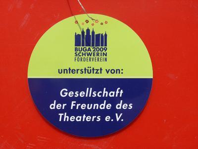 bergabe der roten xxl blumenk bel in schwerin bundesgartenschau schwerin 2009 gmbh. Black Bedroom Furniture Sets. Home Design Ideas
