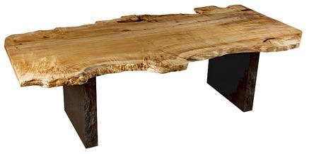 einzigartige naturholztische aus gro en kunstvollen. Black Bedroom Furniture Sets. Home Design Ideas