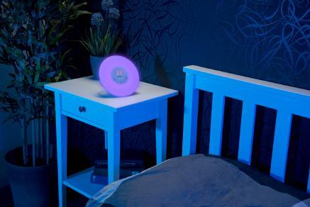 auvisio wake up radio wecker mit sonnenaufgangs simulation. Black Bedroom Furniture Sets. Home Design Ideas