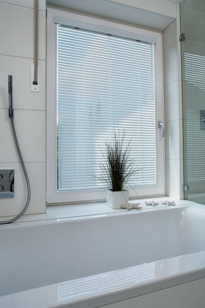 Sonnenschutz für Bad, Küche, Feuchträume, MHZ Hachtel GmbH & Co ...