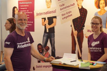 Theologische Hochschule Friedensau präsentiert sich auf dem  Kirchentag © Foto: Jens Mohr / APD