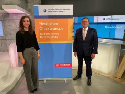 Sophia Brunck im Studio während der virtuellen Meisterfeier, Quelle: Rhein-Neckar-Fernsehen (RNF)