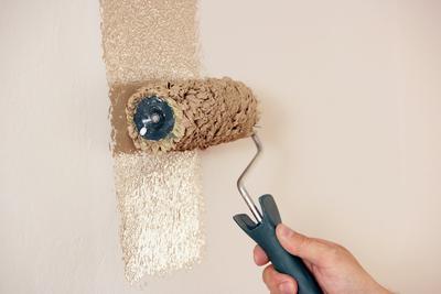 heimwerker schreck pannenhilfe beim malern und tapezieren immowelt ag pressemitteilung. Black Bedroom Furniture Sets. Home Design Ideas