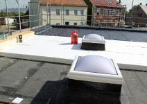 Auch das Dachdeckerhandwerk fordert im Interesse seiner Auftraggeber eine schnelle Klärung der Entsorgung von HBCD-haltigen Dämmstoffen.