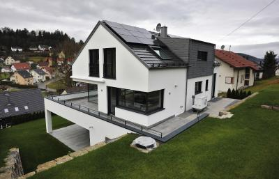 Gestiegene energetische Anforderungen sind keine ausschlaggebenden Baukostentreiber, wie ein aktuelles Gutachten beweist, Foto: Stiebel Eltron