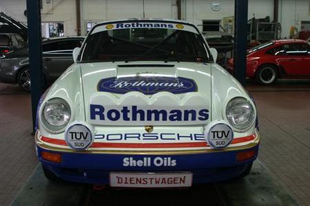 Star am Stand von TÜV SÜD auf der Retro Classics: Porsche 911 SCRS