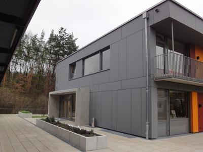 ilse erl jugendhaus im m nchner norden s bu holzbau gmbh. Black Bedroom Furniture Sets. Home Design Ideas