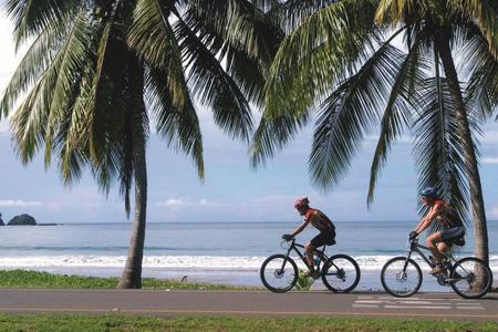 Radeln am Strand von Costa Rica
