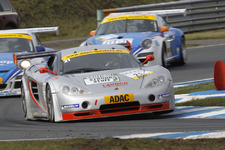 Team rhino's Leipert takes part in 24 h Dubai race with Ascari