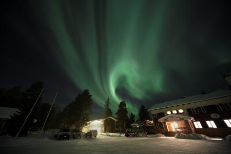Nordlichter über dem Hotel © Hotel Inarin Kultahovi