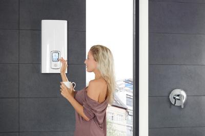 Wer seinen alten elektrischen Durchlauferhitzer gegen ein modernes Gerät wie den DHE Touch oder den DHE Connect von Stiebel Eltron austauscht, erhält 100 Euro Zuschuss vom Staat