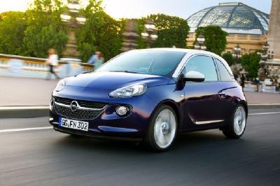 Die Opel Autoversicherungs-Flat - Sicher fahren, sicher sparen: Ab sofort bietet die Opel Bank mit dem Partner Allianz für ADAM (Bild) und Corsa die Opel Autoversicherungs-Flat für gerade einmal 24,90 Euro im Monat