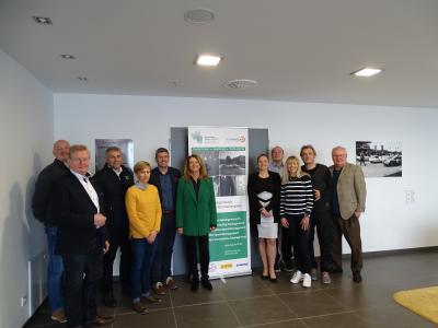 Das Advisory Board (v.l.n.r.): Hans-Peter Naundorf (MCG AG), Franz-Rudolf Ubach (ADAC Mittelrhein), Wolfgang Schuhbauer (Aston Martin), Dr. Monika Frenger (Universität des Saarlandes), Dr. Markus Merk (Coach), Prof. Dr. Bettina Reuter (Hochschule Kaiserslautern), Foto: Hochschule Kaiserslautern