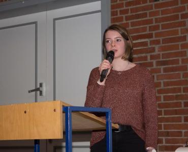 Darf ich das? Die Schülerin Antonia Vogt stellt verschiedene Alltagssituationen vor, in denen das Urheberrecht leicht verletzt werden kann