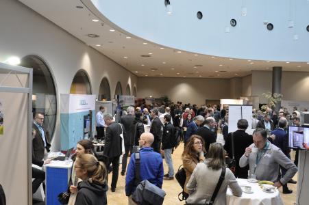 Die begleitende Fachausstellung zeigt neue Produkte und Lösungen aus allen Bereichen des Schadstoffmanagements / Foto: B+B Bauenim Bestand