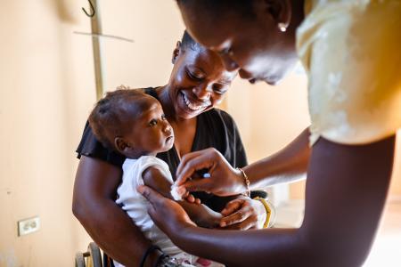 Das Medikamentenhilfswerk action medeor warnt: Corona verschärft den Kampf gegen andere Krankheiten wie Malaria, Tuberkulose oder HIV/Aids