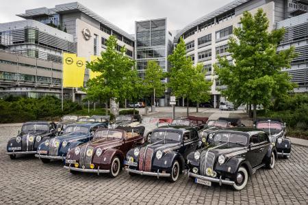 Opel-Jahresrückblick 2017: Begründer einer Epoche: Der Opel Admiral war das erste in großer Serie hergestellte Topmodell aus Rüsselsheim – und feierte 2017 seinen 80-jährigen Geburtstag