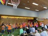 """Der Schulchor """"Landenberger Lerchen"""" erzählt die Geschichte von der """"Schuleinführung in der Zwergenschule"""""""