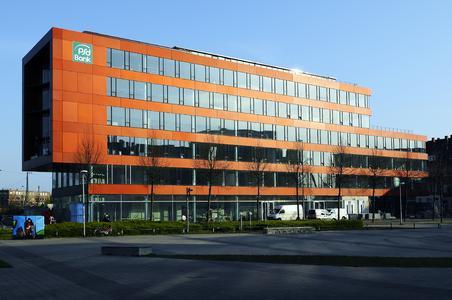 Das neue Bankgebäude ist komplett mit dem Winkhaus BlueChip Zutrittskontrollsystem ausgerüstet worden