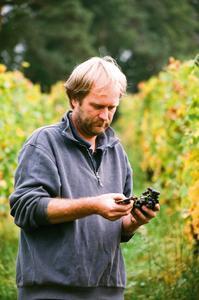 Harald Hillert und der Wein.