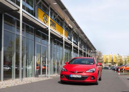 Starker Start in den Frühling: Im März konnte Opel zehn Prozent mehr Autos verkaufen als im Vorjahr, beim Astra (Foto) waren es sogar 16 Prozent