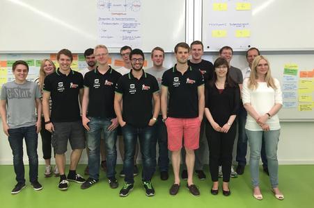 Erfolgreiche Kommunikation stand im Fokus eines Workshops, den drei Studierende der Wirtschaftspsychologie und ihr Professor Ulf Over speziell für das Ignition Racing Team der HS Osnabrück angeboten  hatten