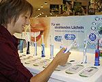 Die elektrische Zahnbürste verbessert die Mundhygiene