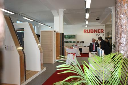 rubner haus er ffnet neuen showroom in baden w rttemberg. Black Bedroom Furniture Sets. Home Design Ideas