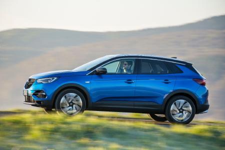 Gute Noten in allen Sicherheitskategorien: Der neue Opel Grandland X erhält von Euro NCAP fünf Sterne für sein gutes Abschneiden beim Schutz erwachsener Insassen und von Kindern ebenso wie beim Fußgängerschutz und in der Kategorie der Sicherheitsassistenten