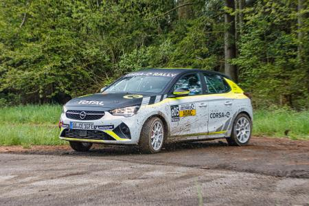Start in Stemwede: Opening Round of ADAC Opel e-Rally Cup / Picture: Opel Automobile GmbH