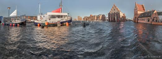 Alter Hafen in Wismar während der Sturmflut am 2. Januar 2019. - Foto: Hochschule Bremen, Institut für Wasserbau