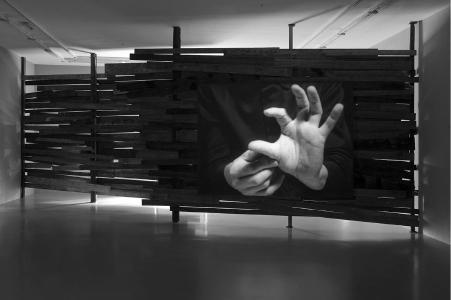 Joachim Koester, Variations of Incomplete Open Cubes, 2011, 16mm film, schwarz und weiß, ohne Ton, 8:40