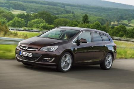 Nimm einen Astra: Beim Kauf eines ehemaligen Dienstwagens winken bis zu 3.000 Euro Eintauschprämie für das in Zahlung gegebene Fahrzeug
