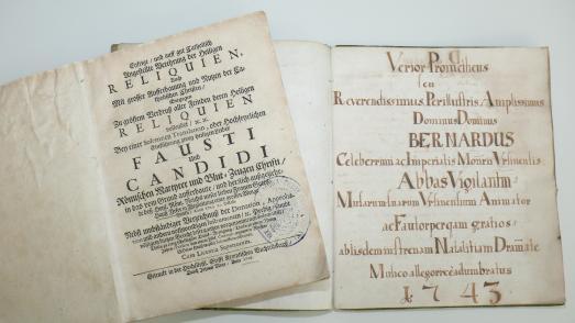 Titelbilder der beiden rückerstatteten Werke von 1726 bzw. 1743