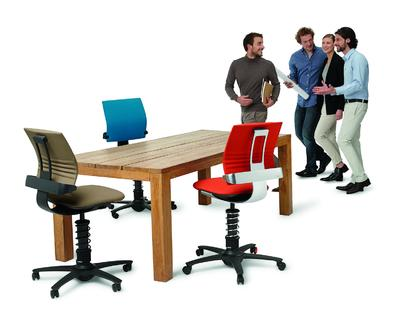fit bleiben beim sitzen das geht aktion gesunder r cken agr e v pressemitteilung. Black Bedroom Furniture Sets. Home Design Ideas