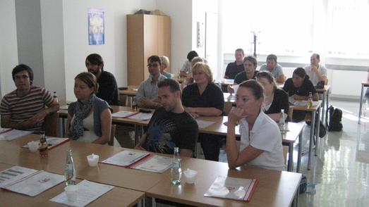 Berufsberater der JobCenter besuchen Dachdeckerbildungszentrum