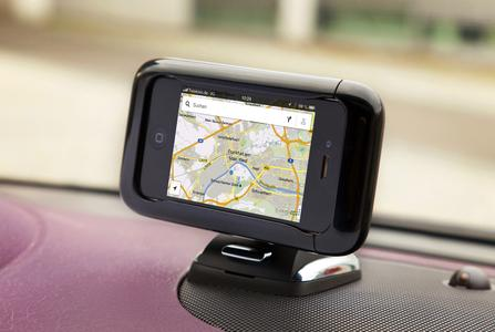 Kein Kabelsalat: Auch über die Opel FlexDock-Halterung haben ADAM-Fahrer vollen Zugriff auf Siri Eyes Free. Dazu muss das iPhone nur in der Halterung befestigt werden, © GM Company