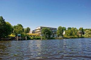 Zum 15-jährigen Jubiläum bietet das avendi-Hotel am Griebnitzsee in Potsdam-Babelsberg einen besonderen Rabatt auf die Zimmerpreise.