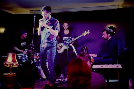 Max Peters & Band. Foto Bülent Kirschbaum