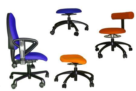 Verschiedene Stuhltypen - alle mit Sitzhöhe 32 cm