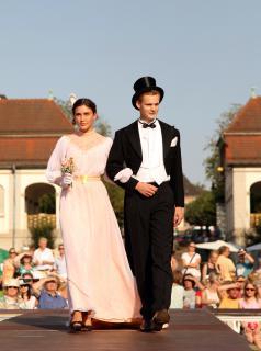 Jugendstilfestival: Die Mode um 1900 ist beim Festival allgegenwärtig / Foto: BNST