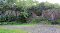 """Ein faszinierender Blick unter unsere Landschaft ermöglicht der ehemalige Basaltsteinbruch """"Am Horst"""" in Gunzenau (Foto: Susanne Jost / Vogelsbergkreis)"""
