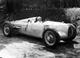 AU Rennwagen Typ A mit August Momberger, Leiter Werkssportabteilung