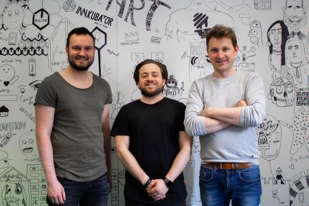 Andreas Donig, Sebastian Schmidt und Michael Hasler (von links) machen Jagd auf Stromfresser. Foto: obx-news/Smartricity