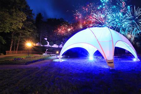 Feuerwerk Zelt