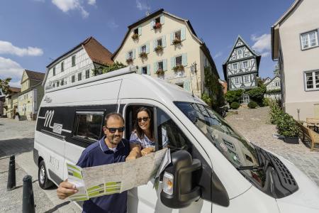 Wohnmobil-Entdeckertouren in Baden-Württemberg - Übersichtskarte mit 6 Routen und Webportal mit zahlreichen Services