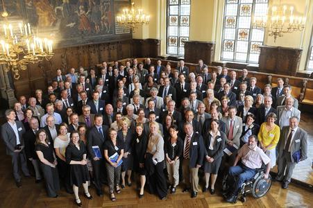 Die Partnerunternehmen und Akteure der 'partnerschaft umwelt unternehmen' beim Senatsempfang anlässlich des zehnjährigen Jubiläums