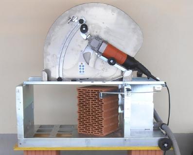 Steinsäge S26 + Sägetisch T50 mit 36,5 cm Ziegel Giebelschnitt