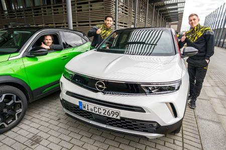Neuer Viral-Spot: BVB-Profis fahren auf den neuen Opel Mokka ab / Bild: Opel Automobile GmbH